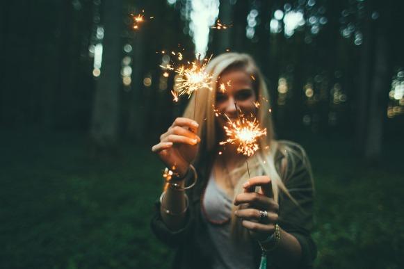 girl-984155_1920